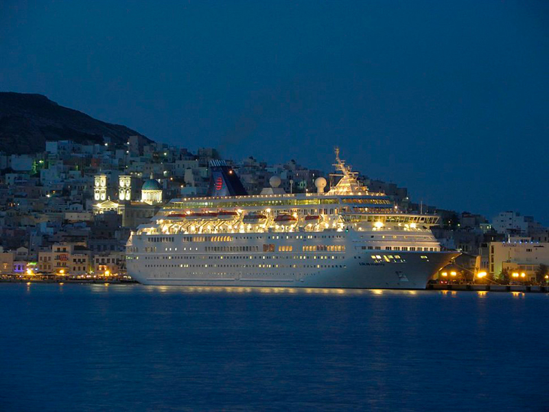 Cruise ship stay for the night
