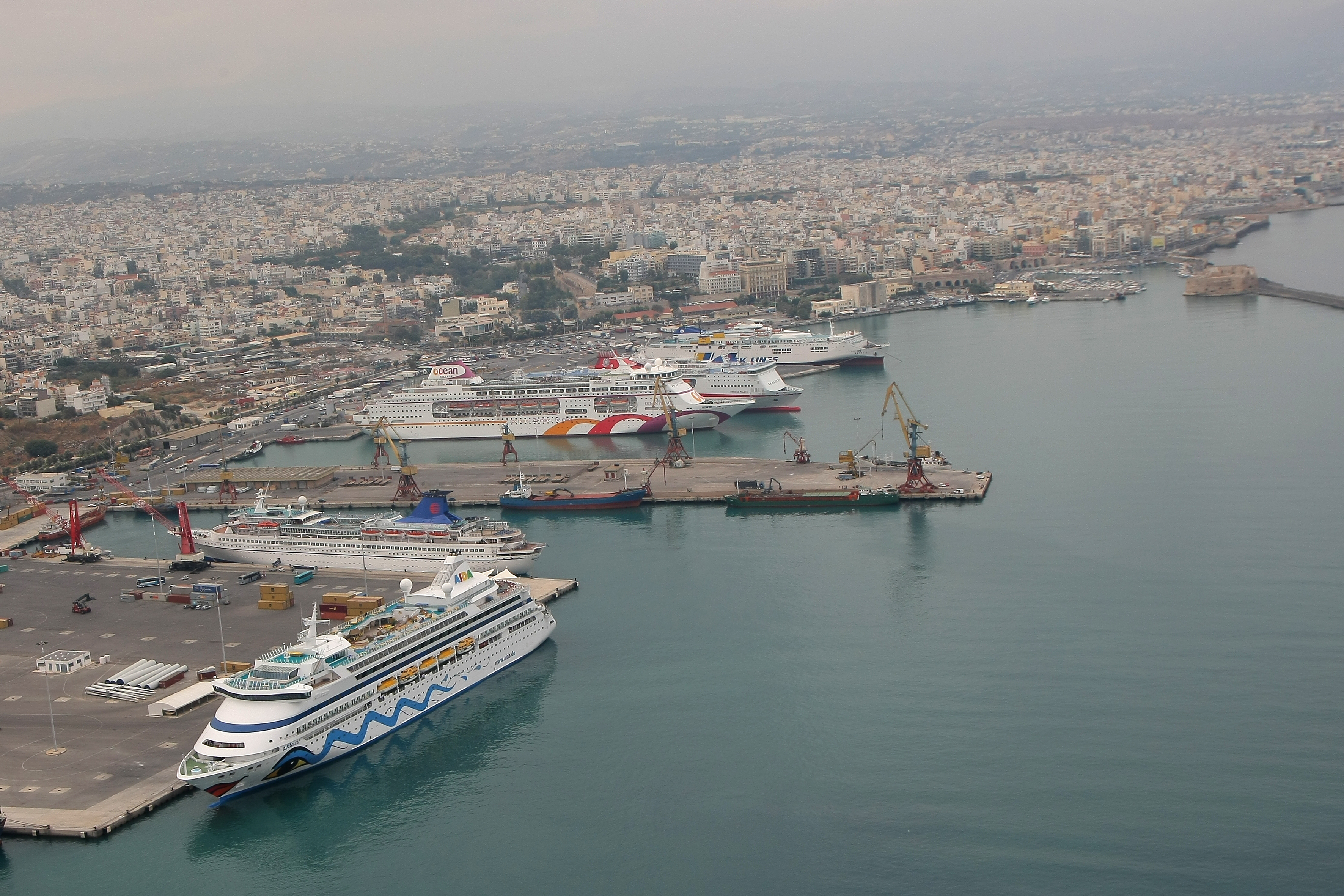 Heraklion port view from the east