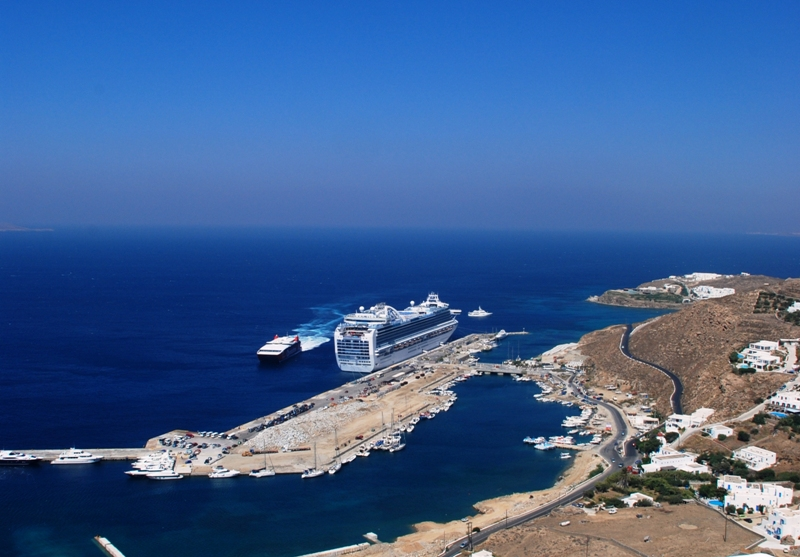 New Cruise Port of Myconos