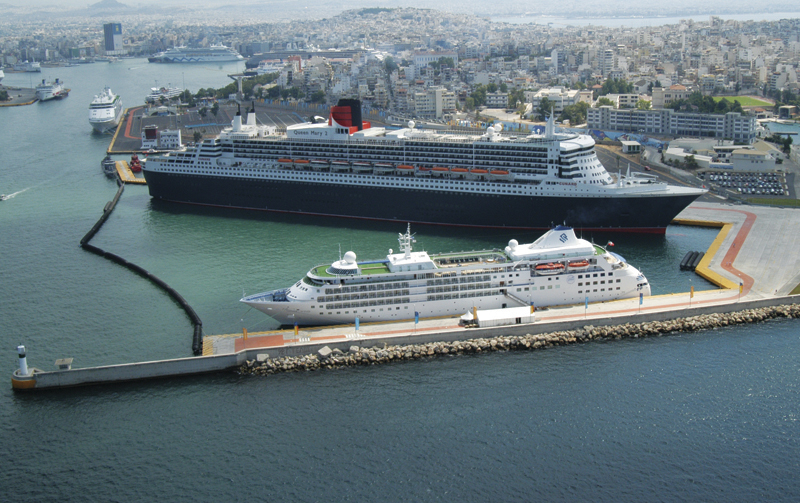 Queen Mary II at Piraeus